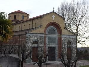 veduta laterale parrocchiale casciago