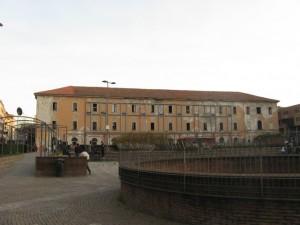 Caserma Garibaldi, obbrobrio da nascondere