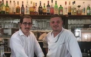 Riccardo e Maurizio Santinon al bancone del Borducan
