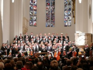 Il coro e l'orchestra MünchenKlang