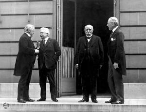 I vincitori della guerra riuniti per il trattato di Versailles