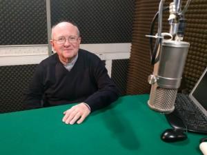 Monsignor Panighetti ai microfoni di Radio Missione Francescana