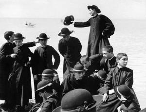 Seminaristi in barca negli anni '50