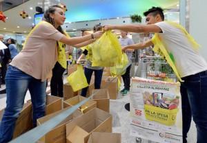 Crisi: giornata colletta alimentare, Martina dona sua spesa