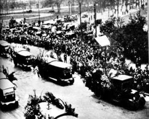 Le esequie delle vittime dell'attentato del 1928 a Milano