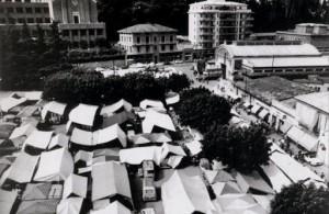 Quando il mercato si teneva in piazza Repubblica