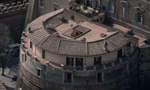 Il torrione di Niccolò V sede dello Ior (foto Imagoeconomica)