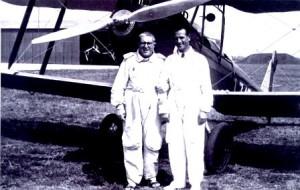 Arturo Ferrarin (a destra) con Padre Gemelli